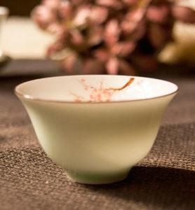 Чашка фарфоровая «Нежная слива»