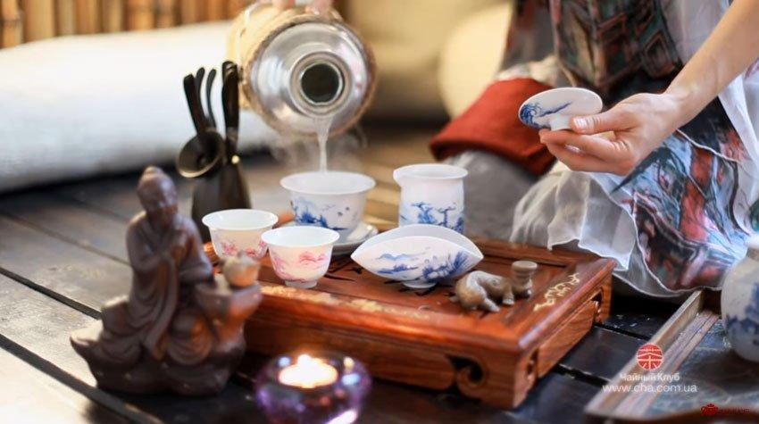 Заваривание коллекционного китайского чая в гайвани